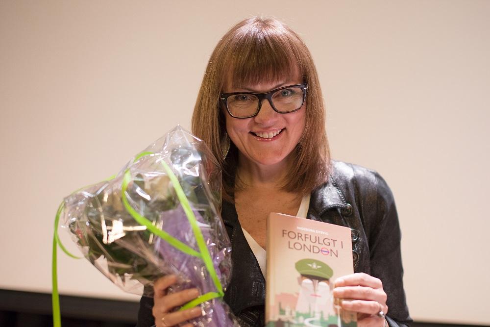 """Vinner: Ingeborg Dybvig ble i dag tildelt Bokslukerprisen for """"Forfulgt i London"""". Foto: Vibeke Røgler/Foreningen !les"""